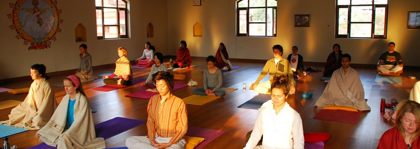 yoga-ashrams-in-haridwar